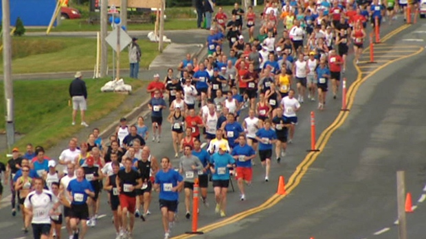 li-tely10-runners-20110724